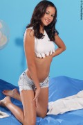 Виктория Сантос, фото 9. Victoria Santos White top and jeans shorts, foto 9
