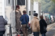 "Adds Eva Mendes on the set of ""Holly Motors"" in Paris, France, 23 November, x7+12"